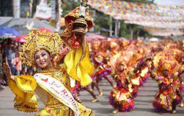 tính cách người Philippines yêu thích ca hát nhảy múa